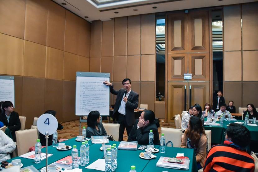 """การอบรมเชิงปฏิบัติการเรื่อง """"การพัฒนาการค้า       การลงทุนในประชาคมอาเซียนภายหลังปี 2015 ด้วยการอำนวยความสะดวกทางการค้าและโลจิสติกส์"""""""
